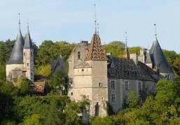 Castillo de la Rochepot cerca de Nolay