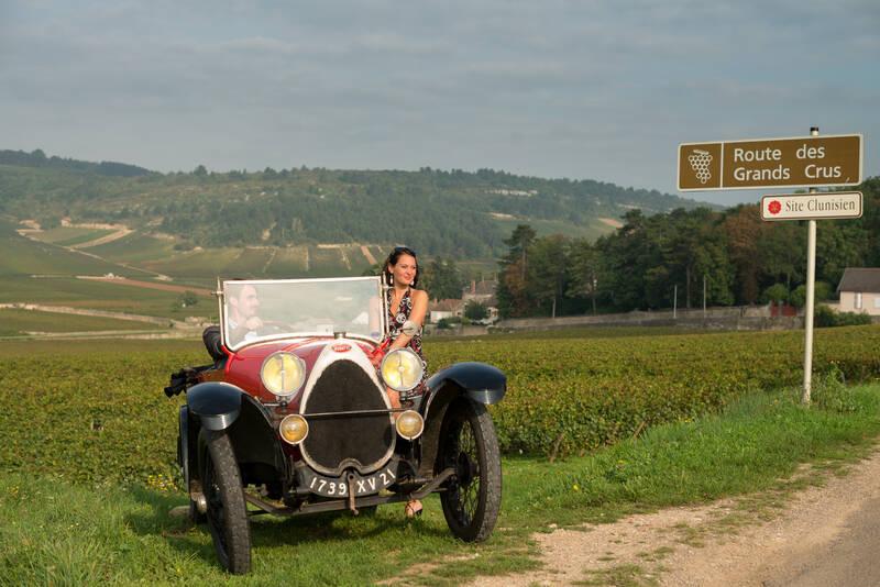 Bugatti por las viñas, camino de los grandes cruz