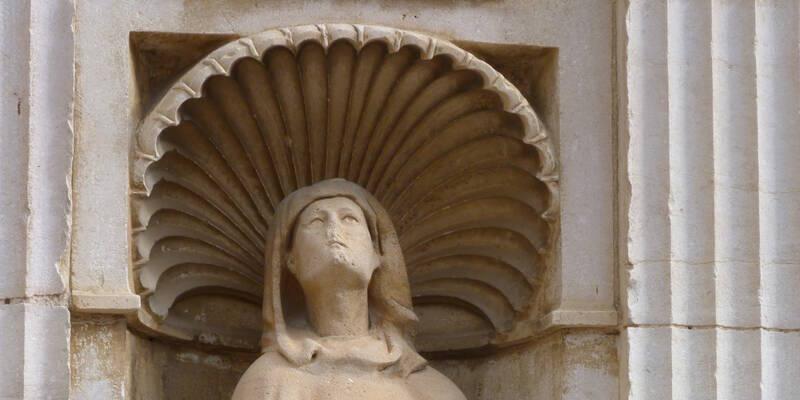 Clos de Vougeot, statue