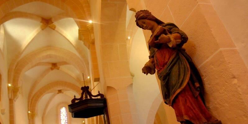 Santenay, Iglesia de Saint Jean de Narosse - Statue